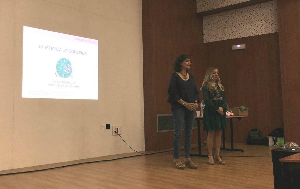 Nuestras compañeras Marisol y Sandra, en un momento de la presentación.